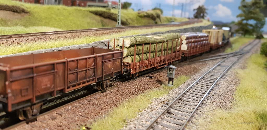 Beladener Güterzug