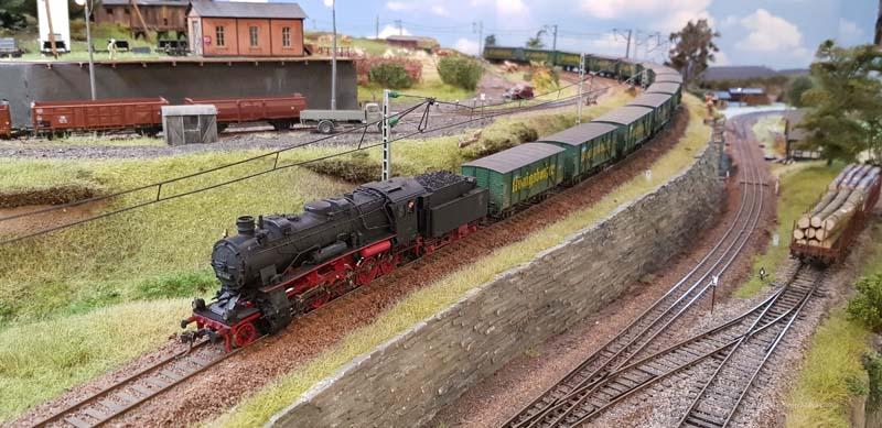 Zug mit Königsbacher und 58