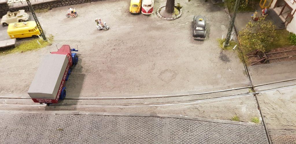 Schienen im Straßenplanum Teil 2